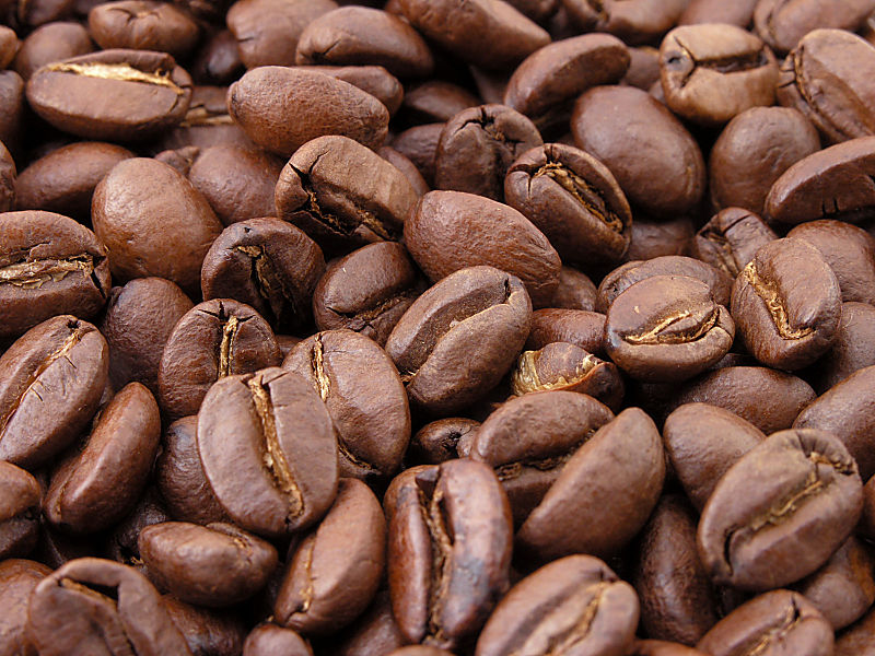 800px-Roasted_coffee_beans